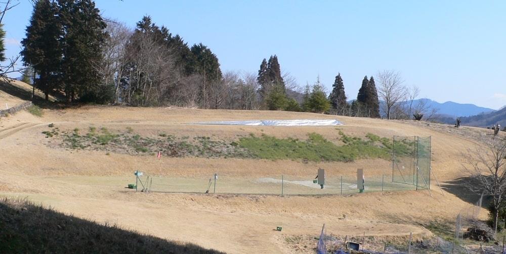 神奈川カントリークラブのバンカー練習場の風景