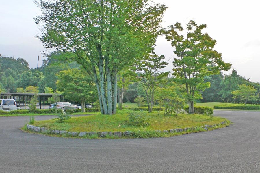 新武蔵丘ゴルフコースの広い駐車場