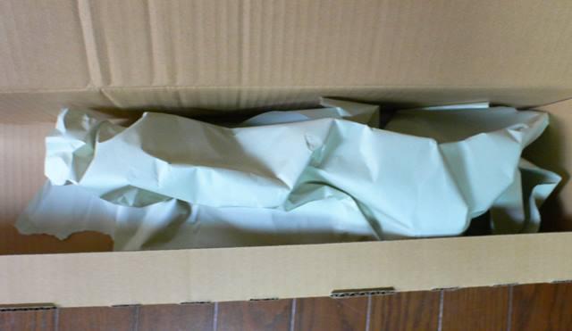 段ボールの中にはクラブを保護する紙が入っていました