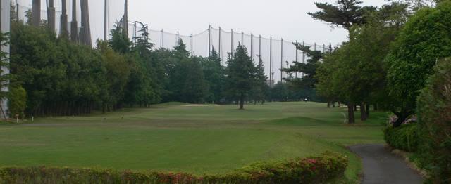 昭和の森ゴルフコースで薄暮プレー