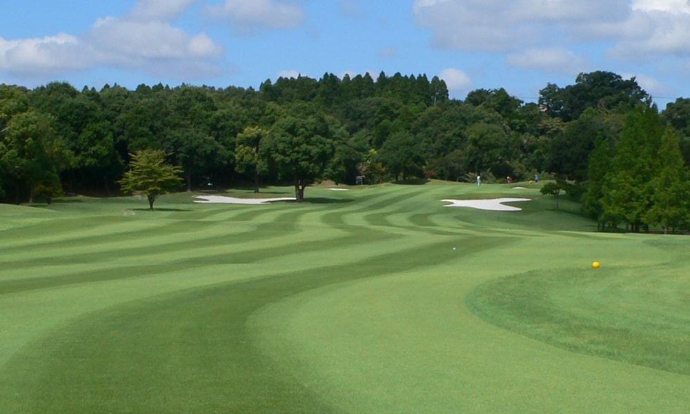 立野クラシック・ゴルフ倶楽部アウトコース8番ホールの2打目地点