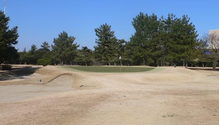 浦和ゴルフ倶楽部INコース12番ホール3打目地点