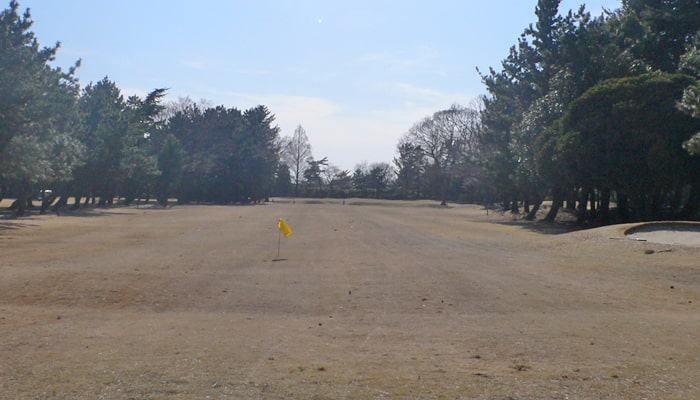 浦和ゴルフ倶楽部INコース13番ホール2打目地点