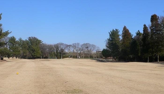 浦和ゴルフ倶楽部INコース14番ホール2打目地点