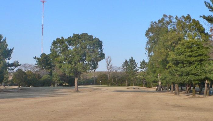 浦和ゴルフ倶楽部INコース18番ホール2打目地点