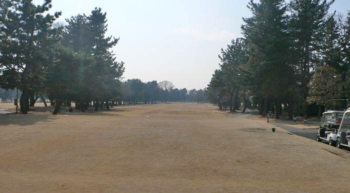 浦和ゴルフ倶楽部OUTコース1番ホール