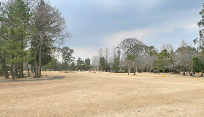 浦和ゴルフ倶楽部OUTコース5番ホール2打目地点