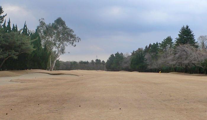 浦和ゴルフ倶楽部OUTコース7番ホールフェアウェイ
