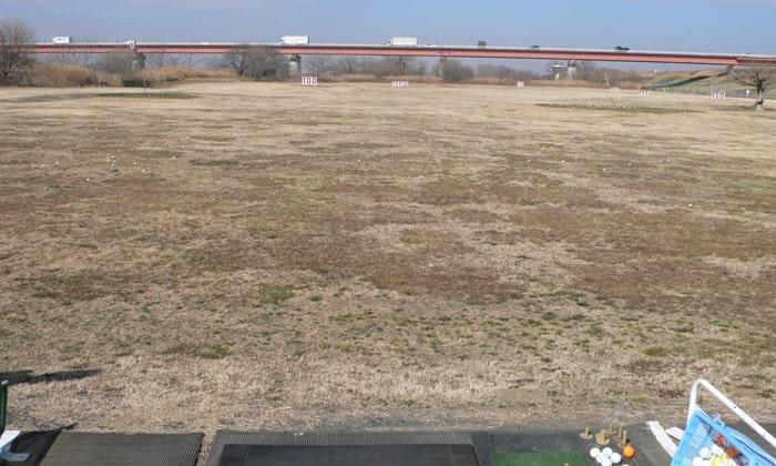 浦和ゴルフ倶楽部に隣接してるゴルフ練習場 浦和新日本ゴルフ練習場の風景