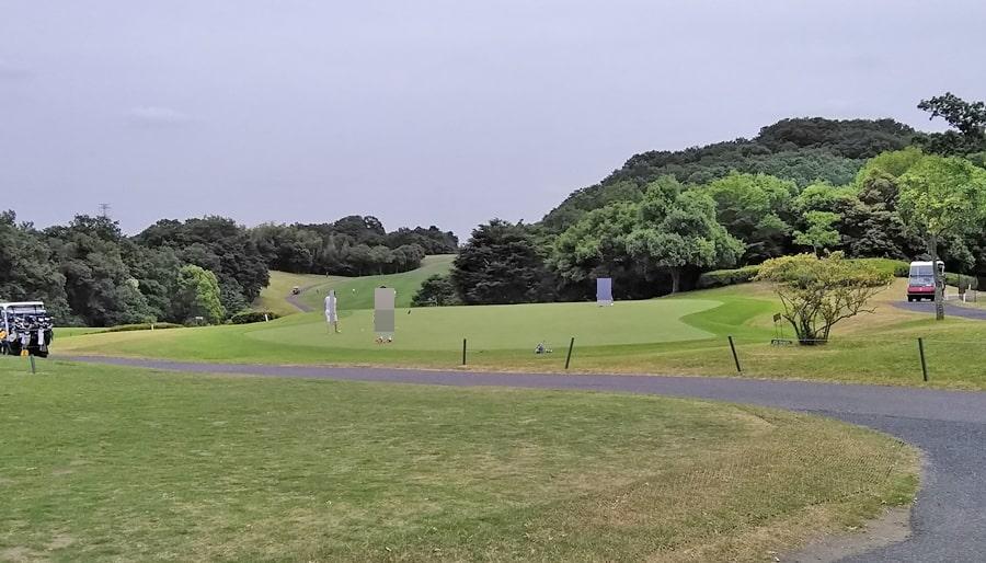 おおむらさきゴルフ倶楽部の練習グリーン