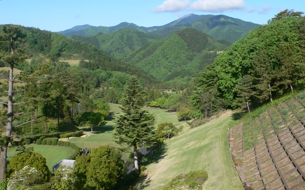 上野原カントリークラブから見える山々の景色