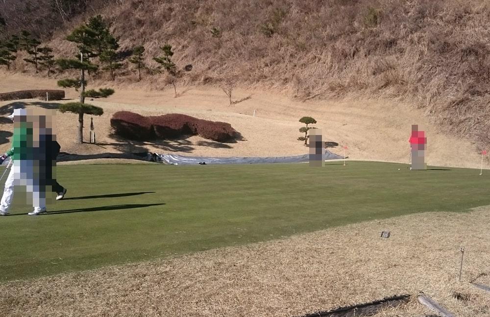桜ヒルズゴルフクラブ(旧秋山カントリークラブ)の練習グリーン