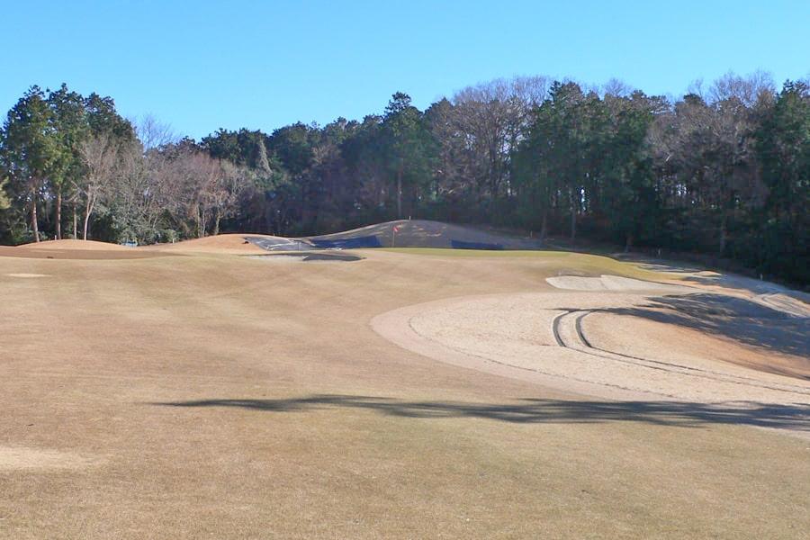 武蔵丘ゴルフコース INコース11番ホールの2打目地点