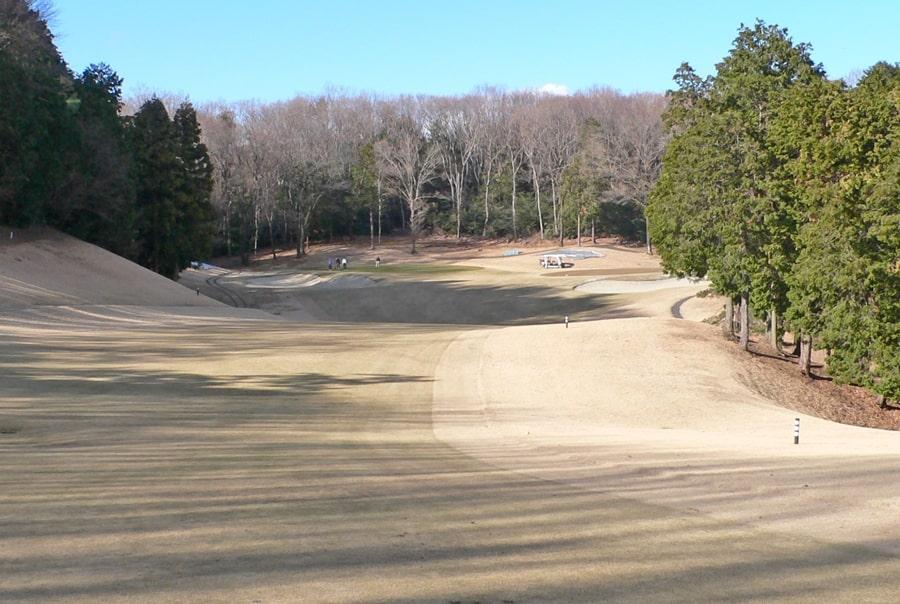 武蔵丘ゴルフコース OUTコース1番ホールの2打目地点
