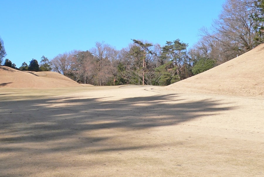 武蔵丘ゴルフコース OUTコース2番ホールの2打目地点