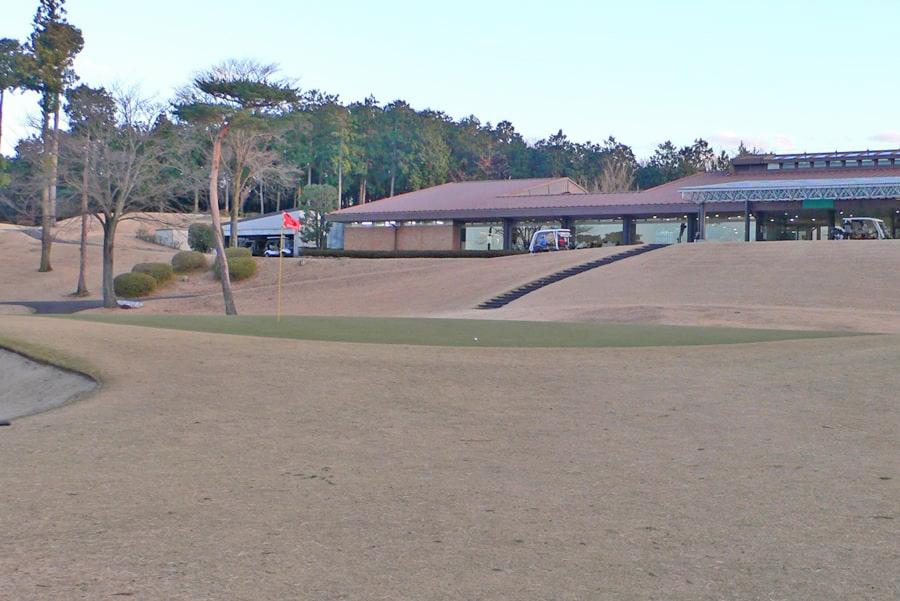 武蔵丘ゴルフコース OUTコース9番ホールのグリーン