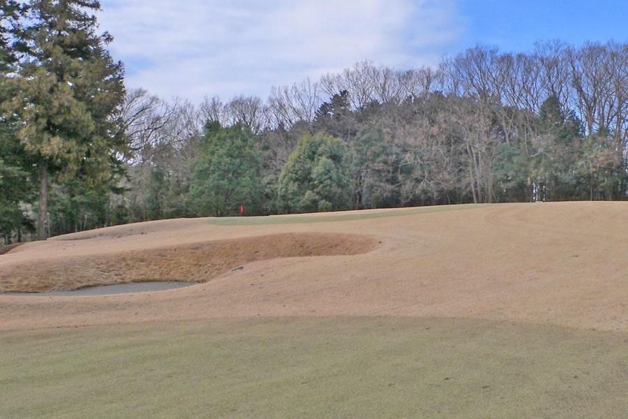 越生ゴルフクラブ OUTコース6番ホールの2打目地点